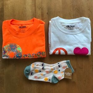 2 Tshirts plus FREE socks